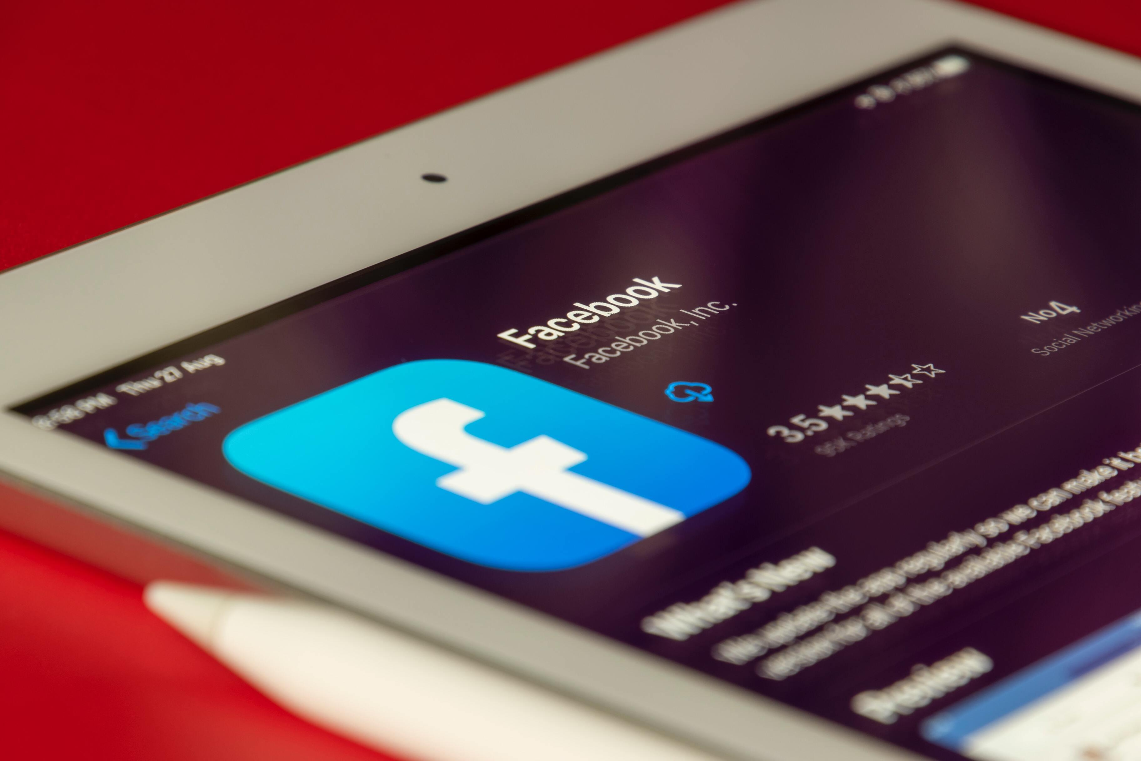 Facebook обвинили в содействии торговцам людьми