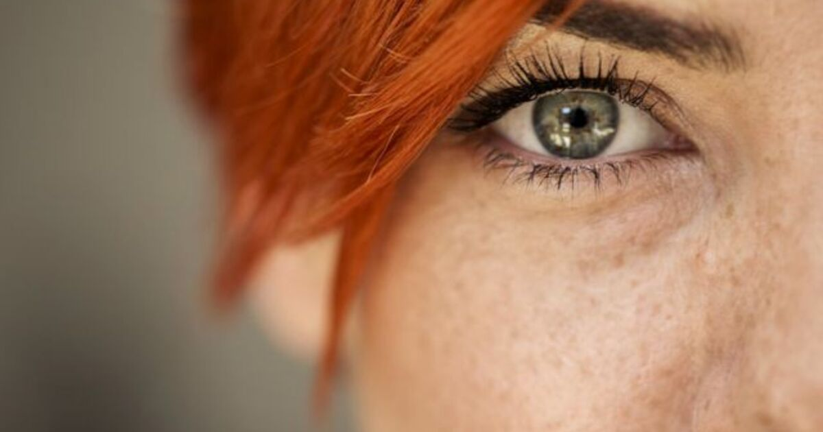 Россиянам объяснили, как справляться с «больными глазами» во время простуды