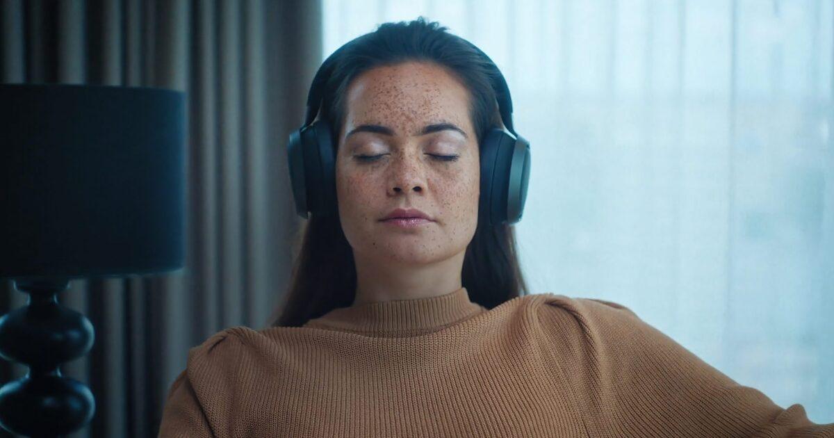 """Знаменитый эксперт по звуку назвал """"Майбах"""" среди полноразмерных Bluetooth-наушников с шумодавом"""