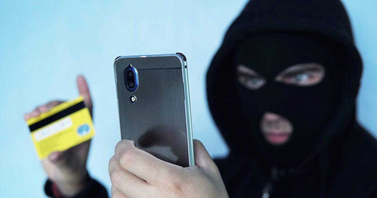 Скольких россиян успешно обманули на деньги телефонные мошенники?