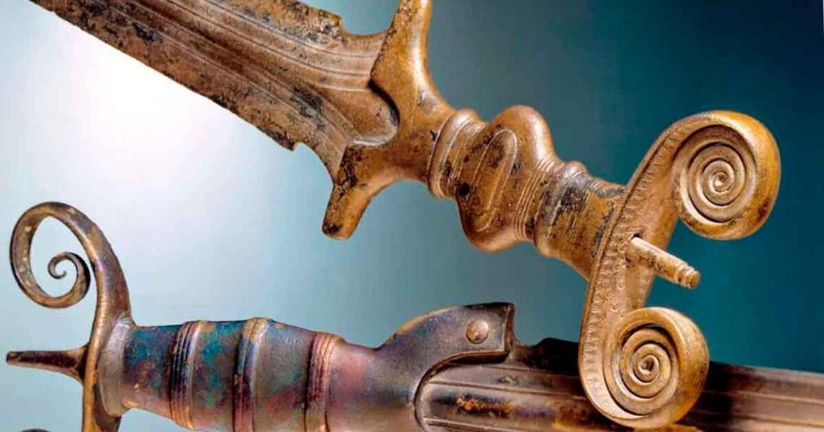 Археолог-любитель обнаружил склад с оружием возрастом от 2 до 4 тысяч лет