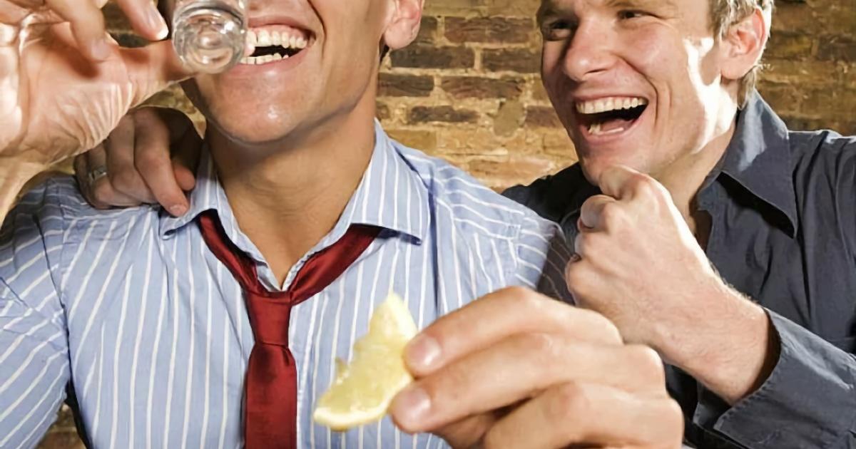 Врач назвал безопасную дозу алкоголя