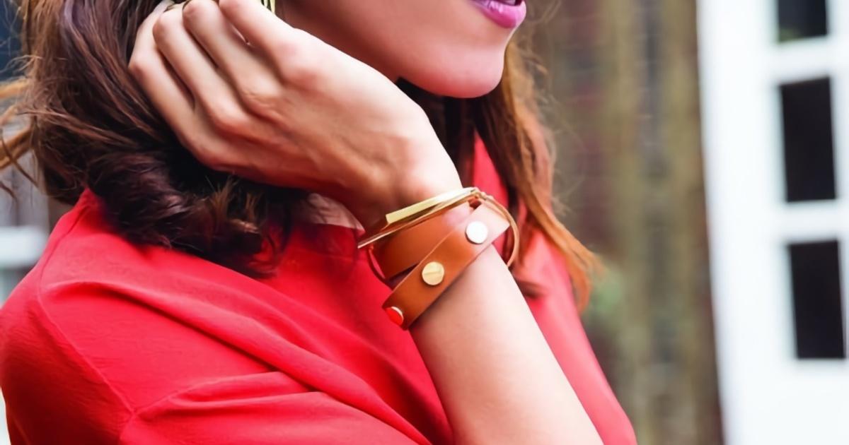 Создан специальный браслет для одиноких женщин