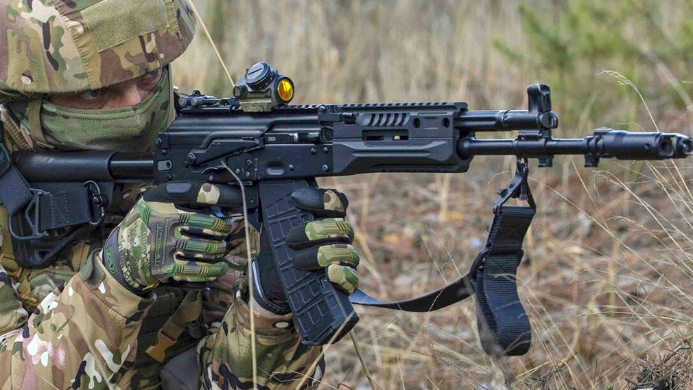 Россия вооружит миротворцев автоматами АК-12