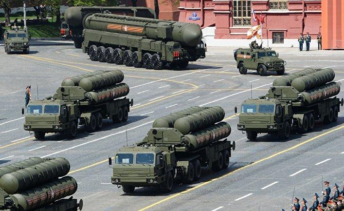 Небо Москвы защитит новейший ракетный комплекс С-500 «Прометей»