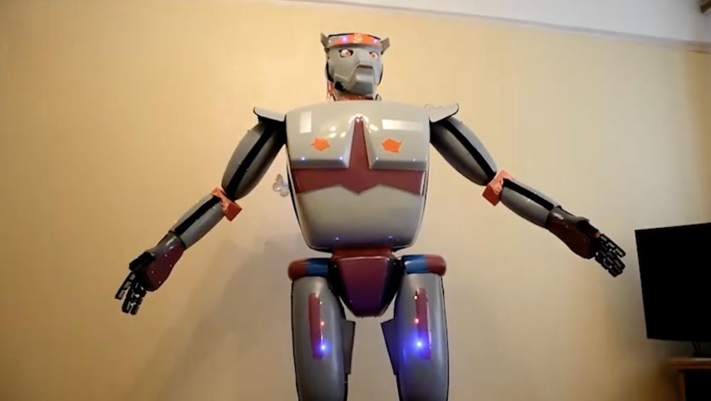 Россиянин изобрёл робота-юмориста и продаёт его за 260 тысяч рублей