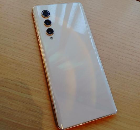 LG начала распродавать невыпущенные смартфоны