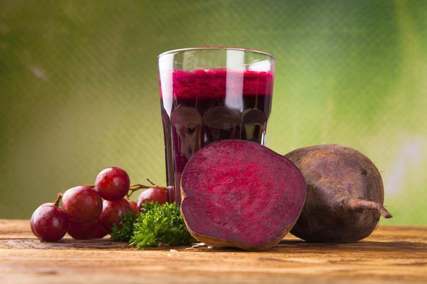 Свекольный сок назвали полезным для пожилых людей напитком