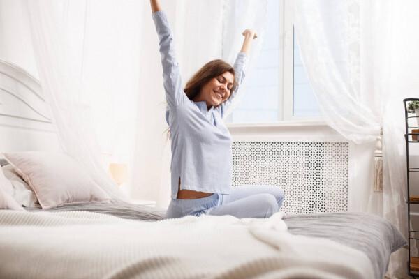 Пробуждение на час раньше обычного снижает риск депрессии
