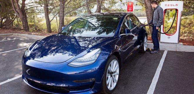 """Даже в самых """"тепличных"""" условиях каждый пятый американец вернулся с электромобиля на автомобиль с ДВС"""