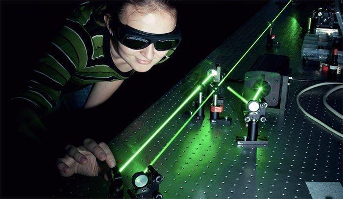 Лазеры ускорили скорость интернета до 800 Гбит/сек