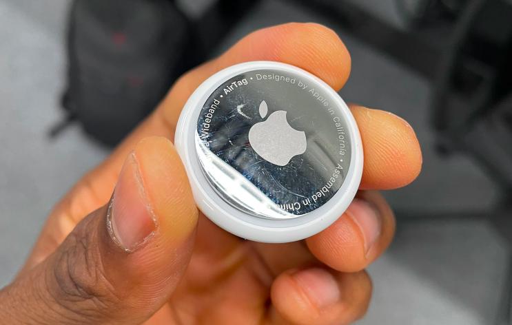 Брелоки Apple для отслеживания вещей оказалось невозможно не поцарапать