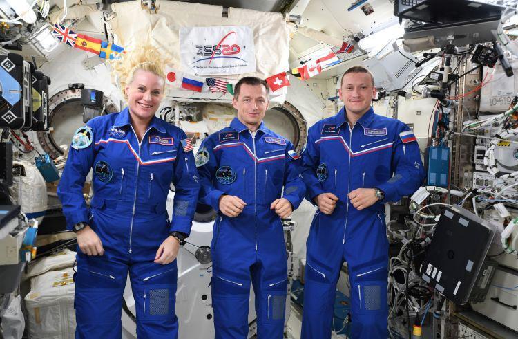 Россия начнет менять гены людей для выживаемости в космосе