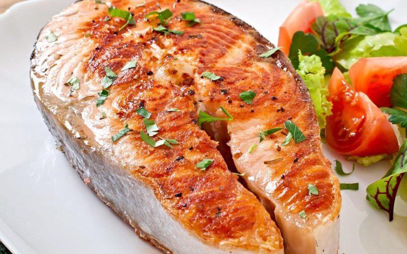 Россиян предупредили об опасности употребления больших рыб для здоровья