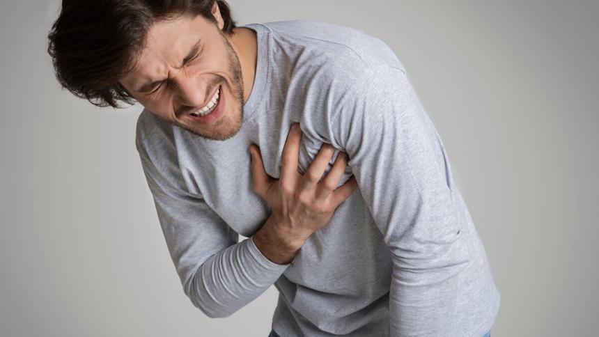 Врачи рассказали об опасности кислого вкуса во рту