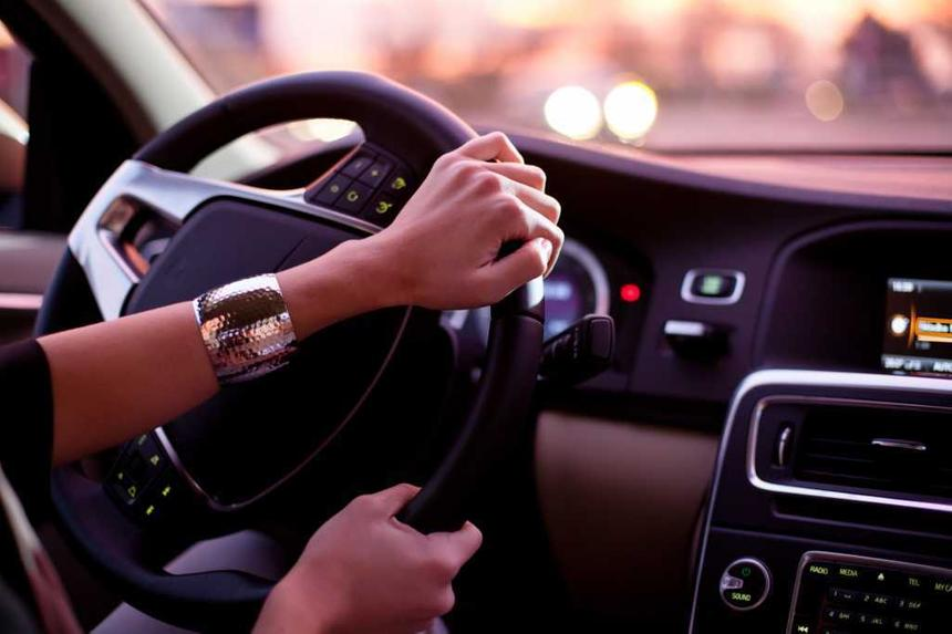 Ученые выяснили, влияет ли пол на реакцию за рулем