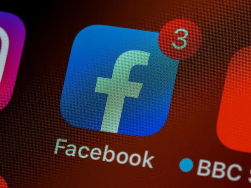 В крупной соцсети удалили группы по продаже ложных отзывов