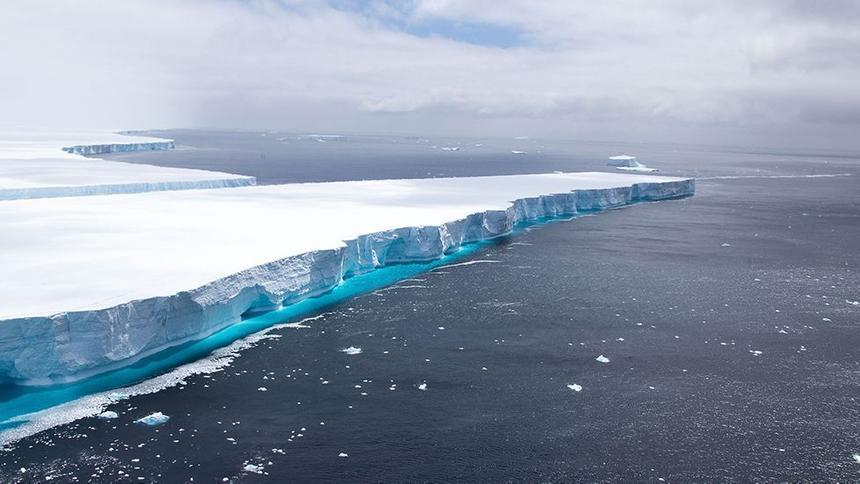 Самый большой айсберг в мире растаял