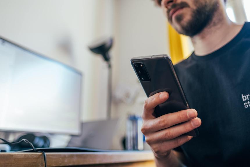 В Европе начнут отслеживать рабочее время сотрудников при помощи смартфонов