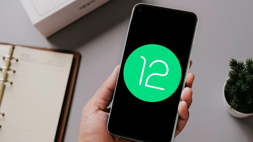 Google выпустила новую тестовую версию неанонсированной Android 12