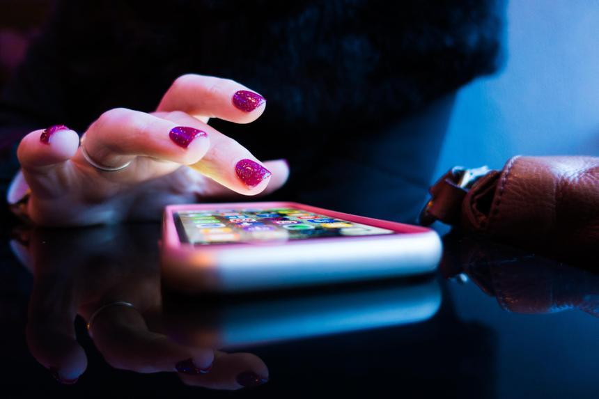 У пользователей смартфонов обнаружили стадное поведение