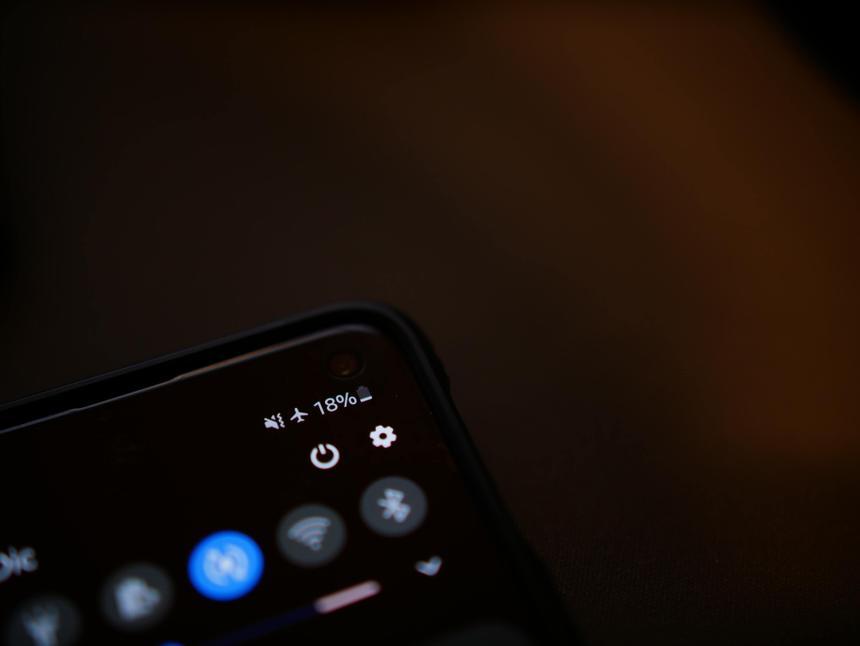 Эксперты составят рейтинг смартфонов с лучшими аккумуляторами
