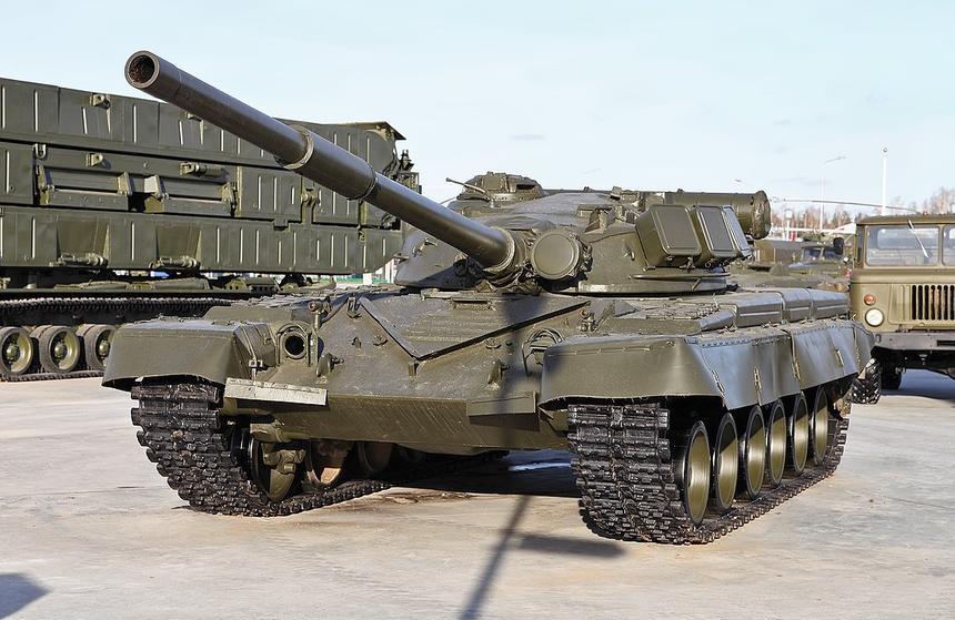 Эксперт объяснил, почему советский танк Т-80 не устарел по сей день