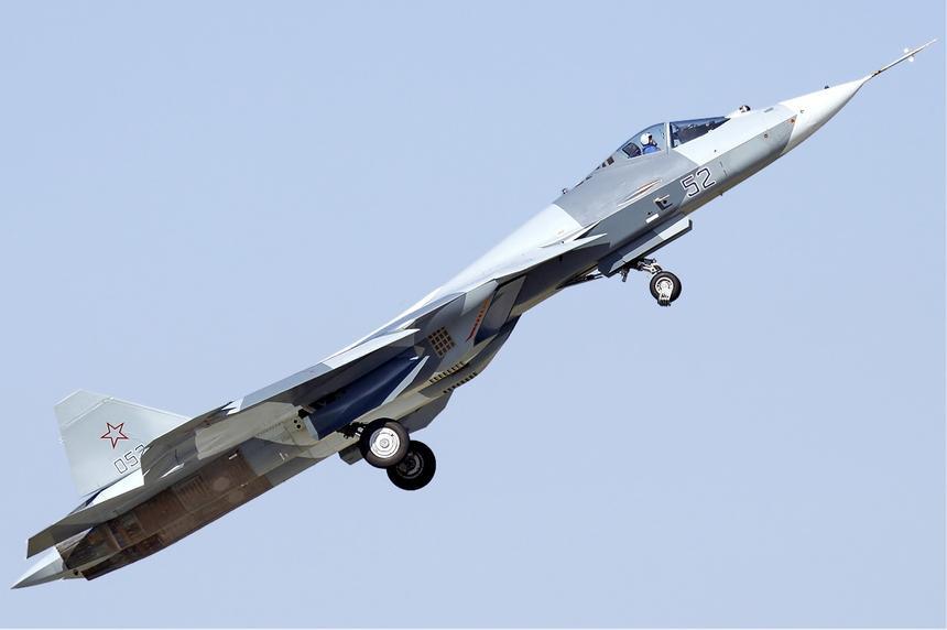Новейший российский истребитель Су-57 модернизируют