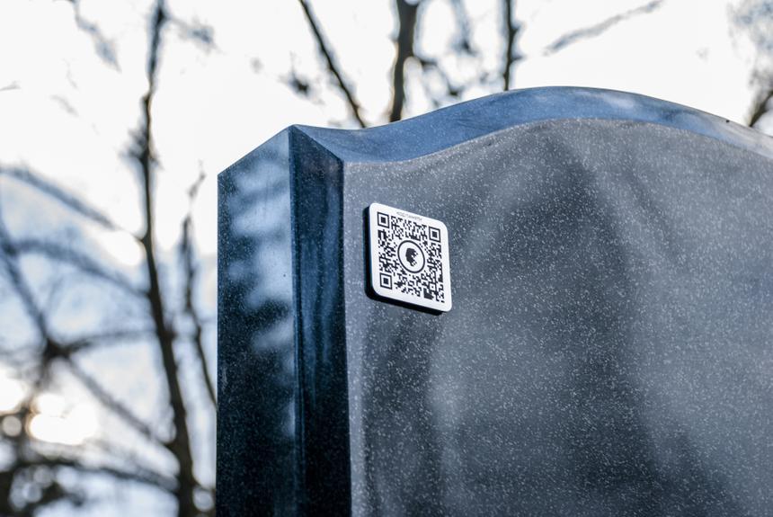 В России создали личные страницы умерших с QR-кодами на надгробиях