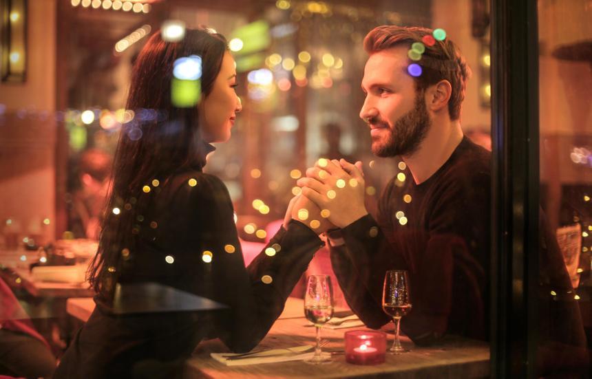 Нейроинтерфейс предсказал людей, в которых может влюбиться человек
