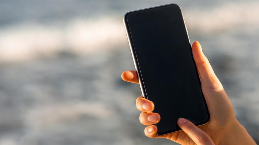Россиянам рассказали, как защитить смартфон от жары