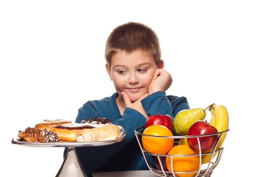 Врач рассказала, стоит ли детям сидеть на диете