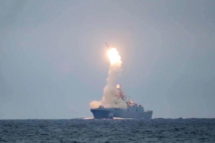 Путин перечислил новые виды оружия на боевом дежурстве в России