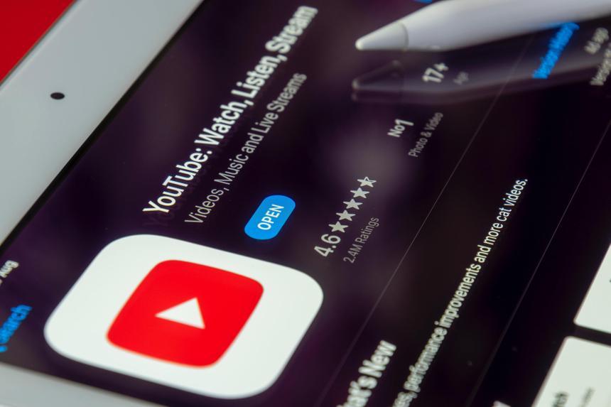 Пользователей YouTube арестовали за загрузку и озвучку 10-минутного отрывка фильма