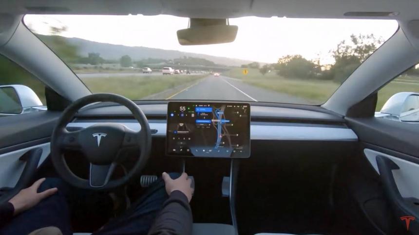 Опубликовано видео тестирования новейшего автопилота Tesla