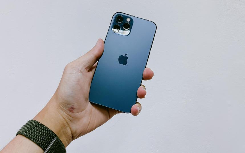 Даже подержанные iPhone 12 стали дороже