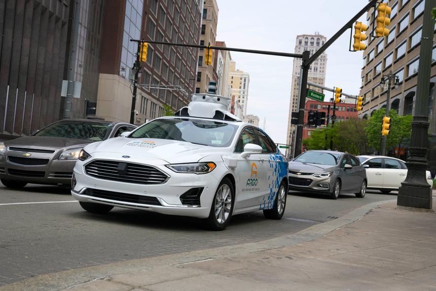 Ford запустит беспилотное такси уже в 2021 году