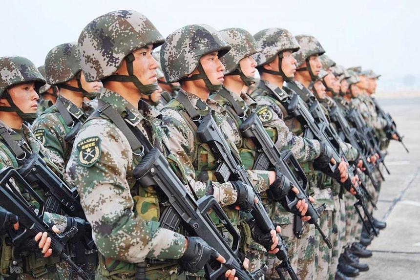 Китайские военные давно отказались от калашниковых в пользу своего буллпапа